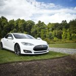 Tesla color blanco
