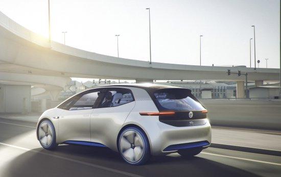 【VW utiliza el mundo digital para desarrollar asistentes de conducción 】